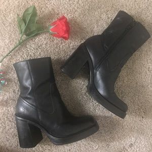 Frye Carmen X Stitch Short boot Black leather heel